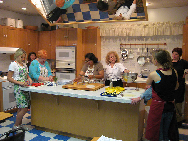 moving-cooking-class