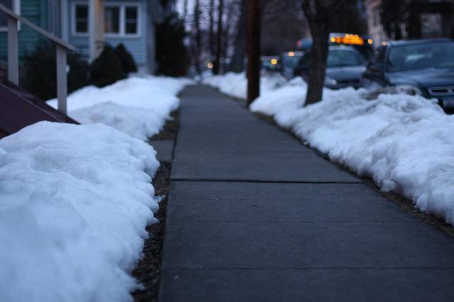 tips-moving-winter-sidewalks