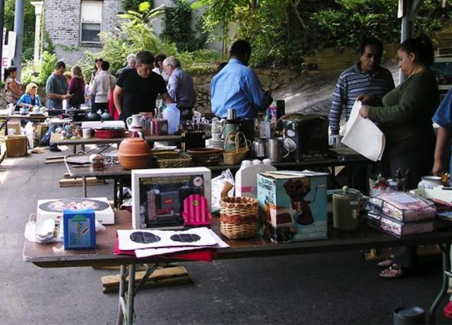 modernize-mortgage-yard-sale
