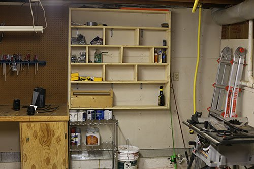 garage-wallshelf-organizing