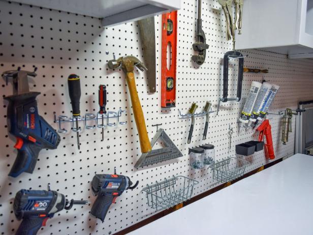 garage-pegboard-organizing