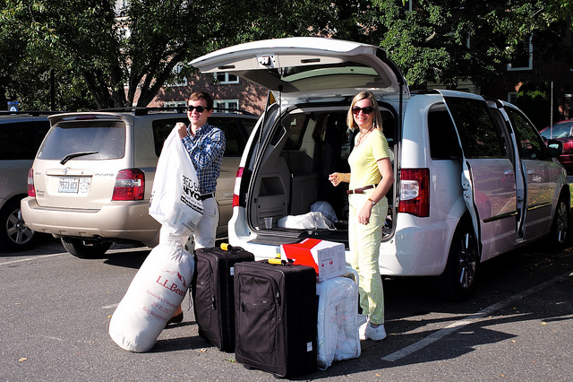 college-move-in-day-parents